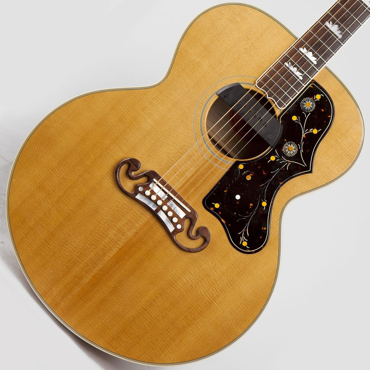 2001 Gibson SJ-200, Blonde Beauty - Garrett Park Guitars  - 1
