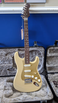 2019 Limited Edition American Professional Stratocaster®, Solid Rosewood Neck, Desert Sand