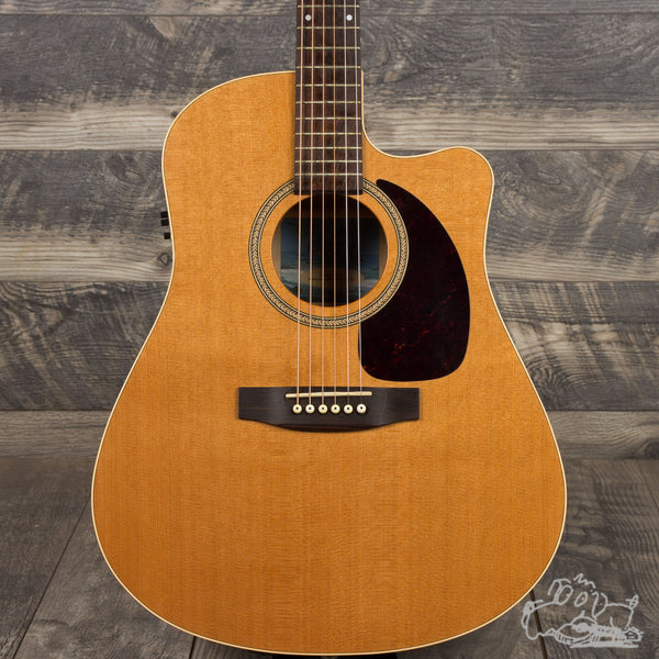 Seagull Performer CW Cedar GT Q1 Acoustic-Electric Cutaway Guitar