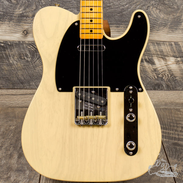 2020 Fender 70th Anniversary Broadcaster®, Maple Fingerboard, Blackguard Blonde