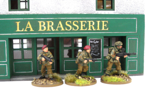 "28mm 1:56 ""Brasserie"" restaurant"