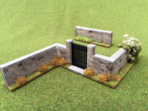 "28mm 1:56 Stone Wall ""Z section with gate"" & 75mm short piece."