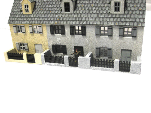 "28mm 1:56 ""The Terrace"" Front Yard (Plain wall version)"