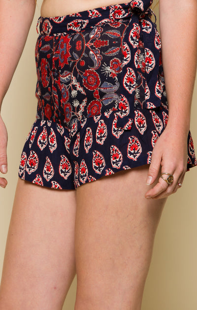INFINITE NIGHTS BELTED SHORTS
