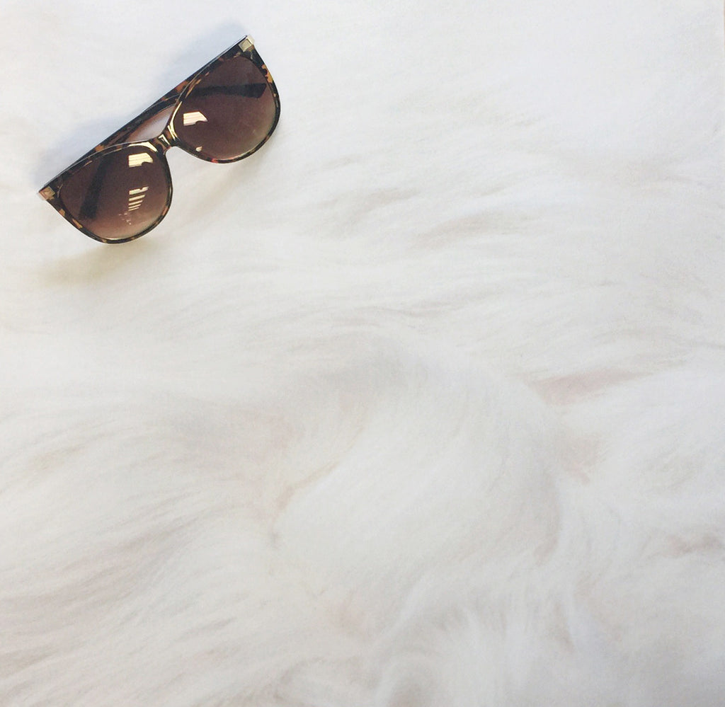 Off-White Sheepskin - 16in