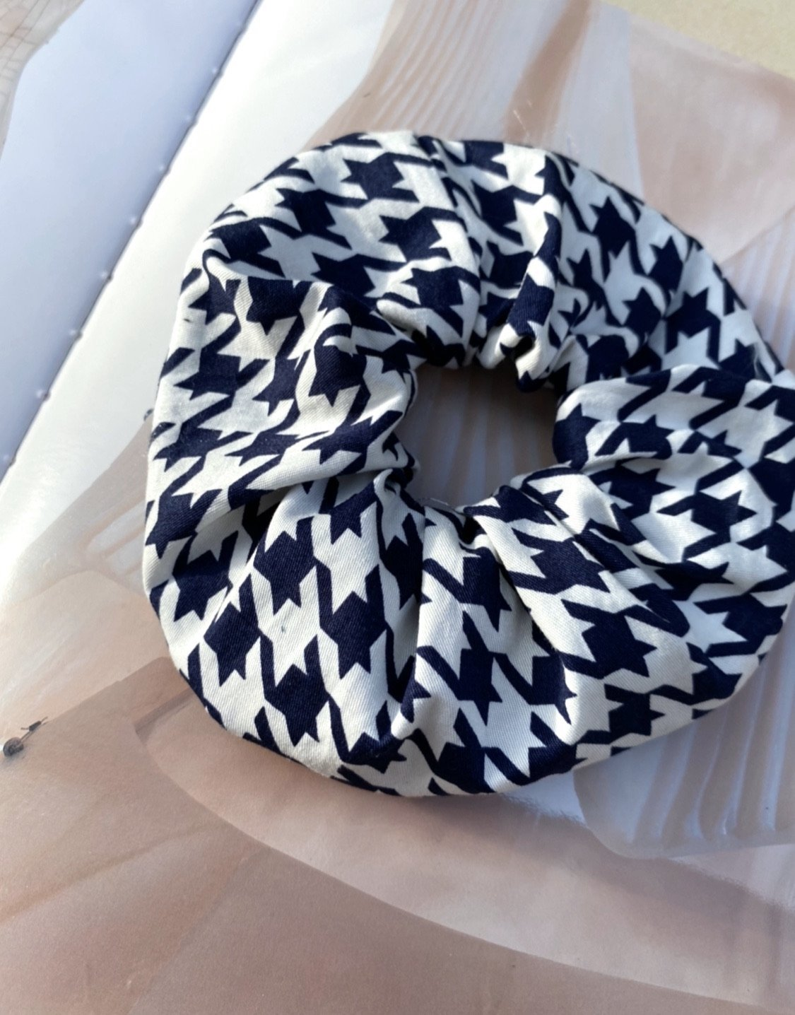 Houndstooth Cotton Scrunchie freeshipping - Evangeline