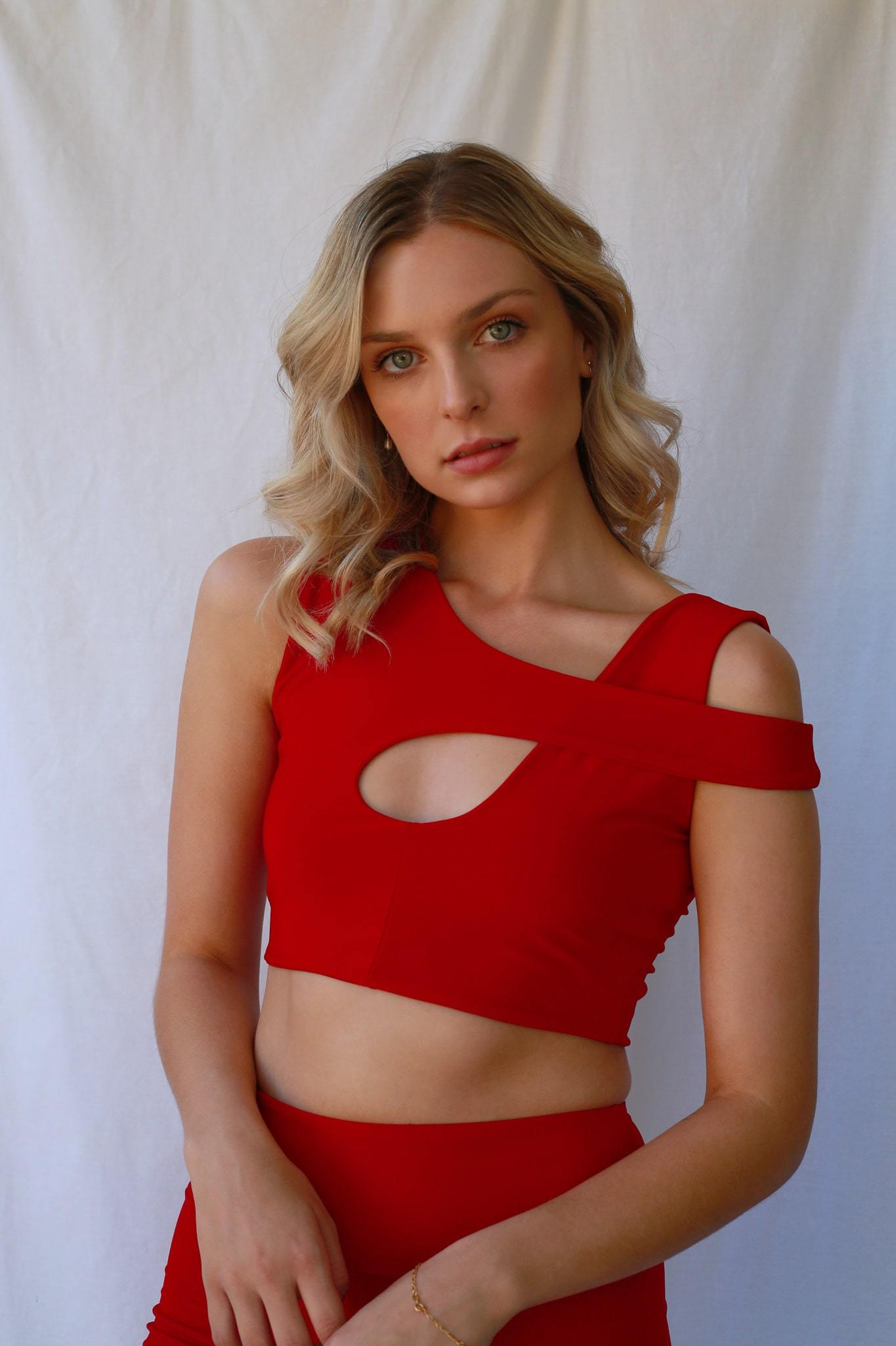 Kendall Crop Top Ruby Red freeshipping - Evangeline