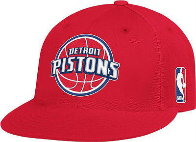 NBA Detroit Pistons Men's Red Hat S/M Flex Fitted