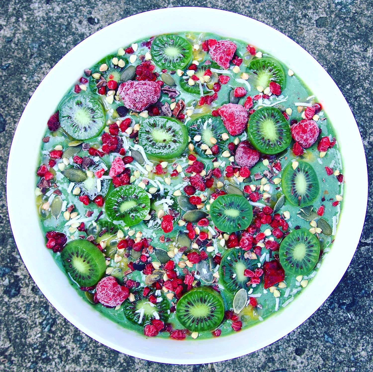 Sweet & Tangy Green Smoothie Bowl