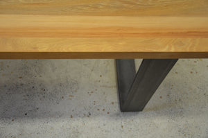 Rimu Dinning table