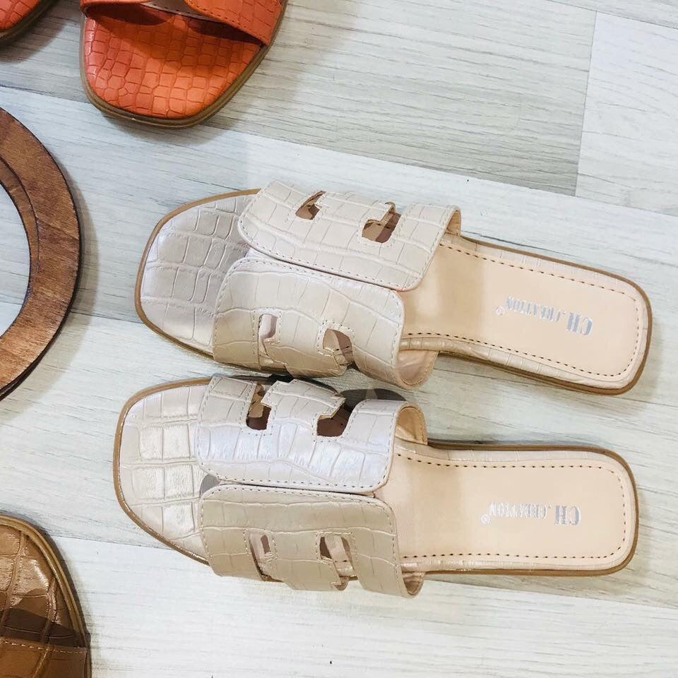 CREAM CROC DETAIL SLIPON SLIDER