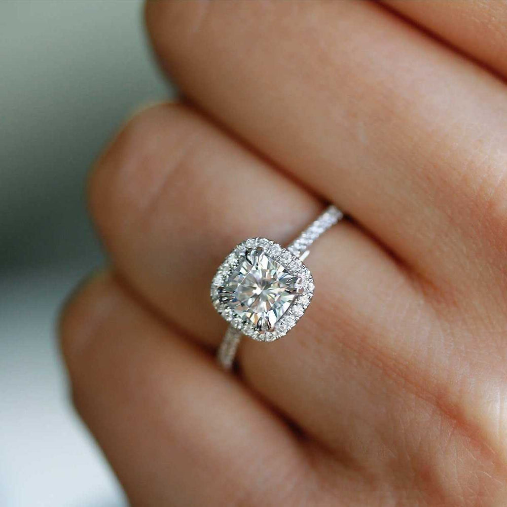 Confused by Cushion Cut engagement rings? A Review
