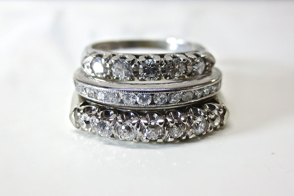Engagement Ring vs Wedding Band – Know The Difference