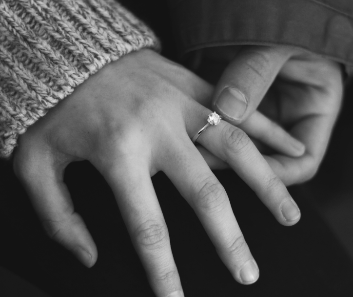 Vintage vs Modern Engagement Rings – Help Deciding Which To Choose