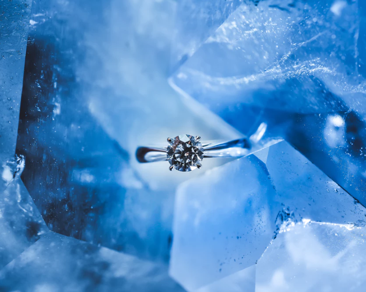 Natural Diamonds vs Lab-Grown Diamonds - How To Tell The Difference