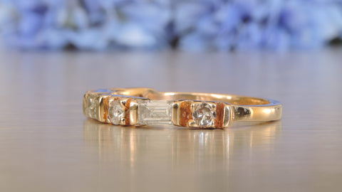 HALF ETERNITY DIAMOND RING WITH ROUND BRILLIANT AND BAGUETTE DIAMONDS