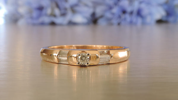 SIDE BY SIDE ROUND BRILLIANT AND BAGUETTE DIAMOND RING