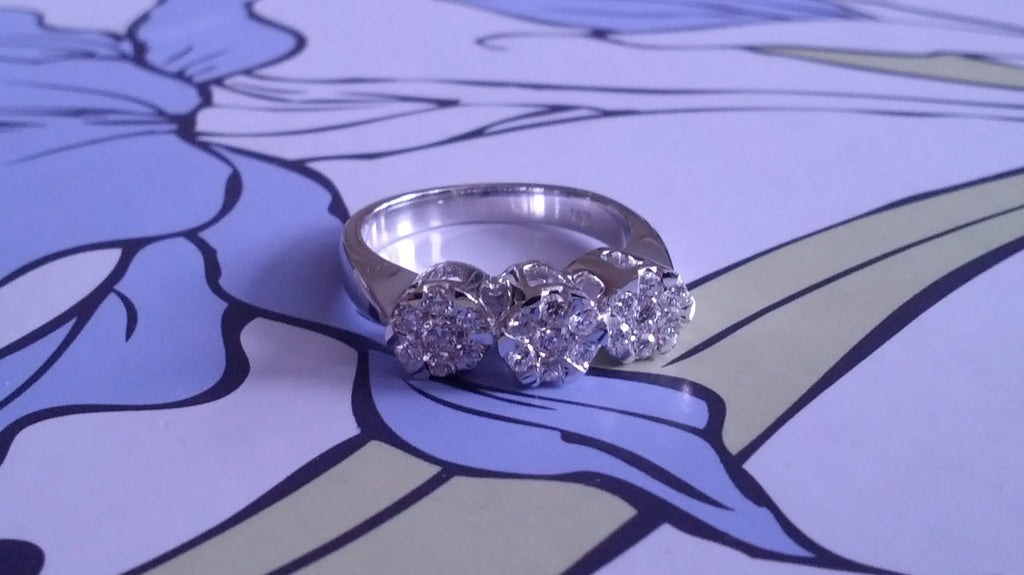SNOWFLAKES CLUSTER DIAMOND ENGAGEMENT RING
