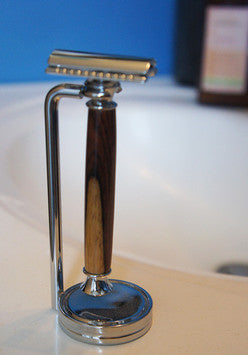 Double edge safety razor w/ chrome stand