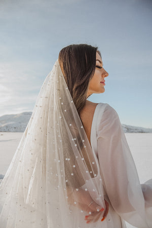 Girl with a Pearl | Two Layer Drapey Pearl Veil