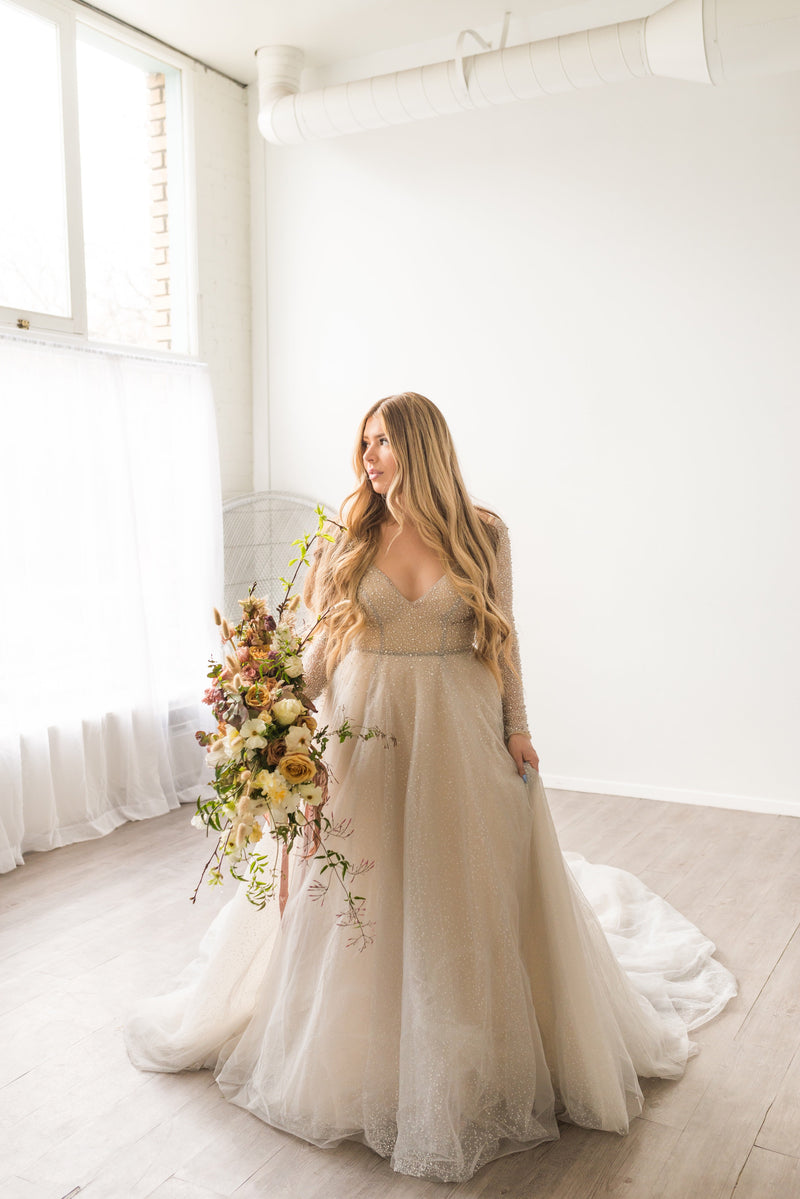 Confetti | soft grey wedding dress with long sleeves