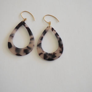 90s style teardrop earrings in blonde tortoise by Wallis Designs