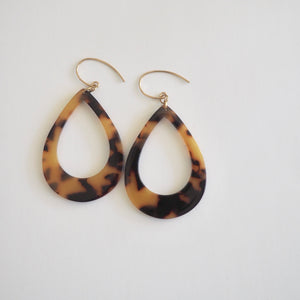 Teardrop Tortoise Earrings 90s style by Wallis Designs