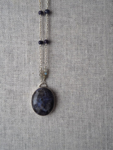 Gemstone necklace with Blue Agate Sapphire Labradorite
