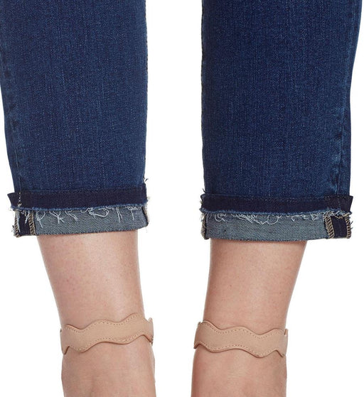 Amelia with ankle hem detail
