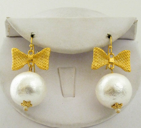 Bow Pearl Earrings - Gold
