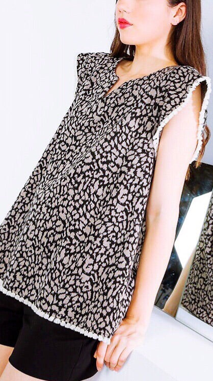 Leopard Knit Top - Black + Tan