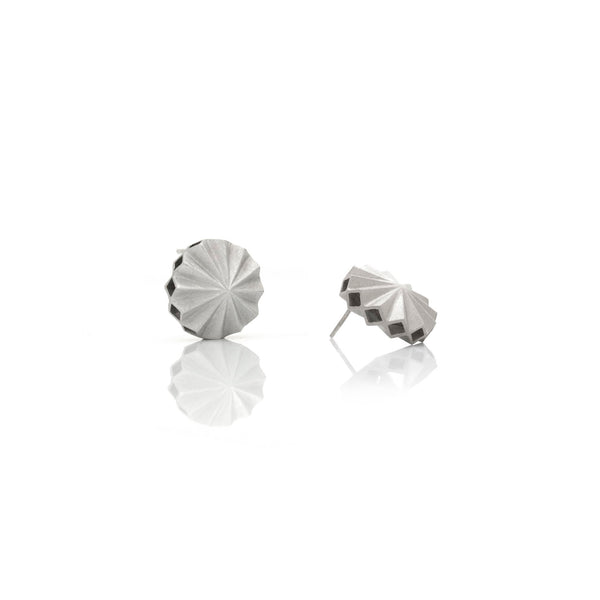 Picture of Pleat earrings of silver designed by Romeu Bettencourt