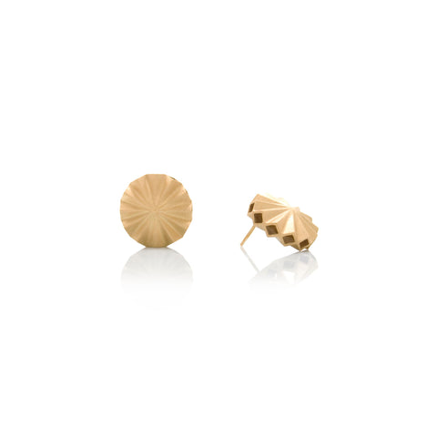Picture of Pleat earrings of gold plated silver designed by Romeu Bettencourt
