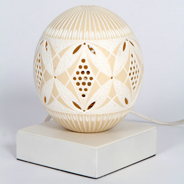 Table lamp 103 by Ovodecor an ostrich egg handcrafted by an artisan at by-PT online store