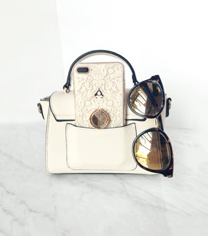 Classic bag with phone pocket and sunnies