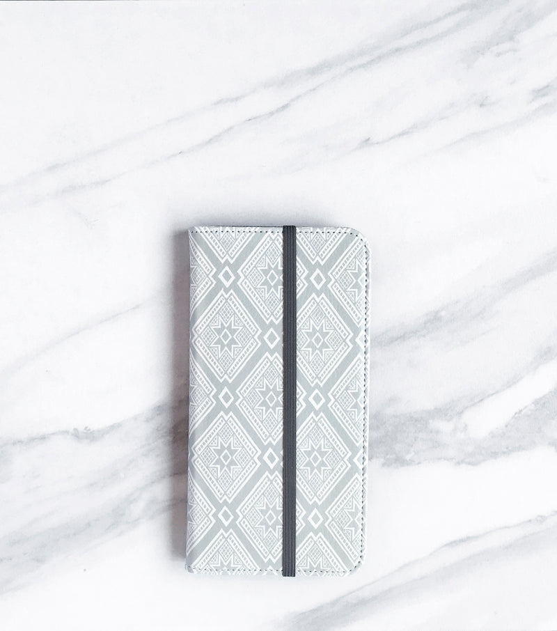 Tribal Gray iPhone 7 Wallet case