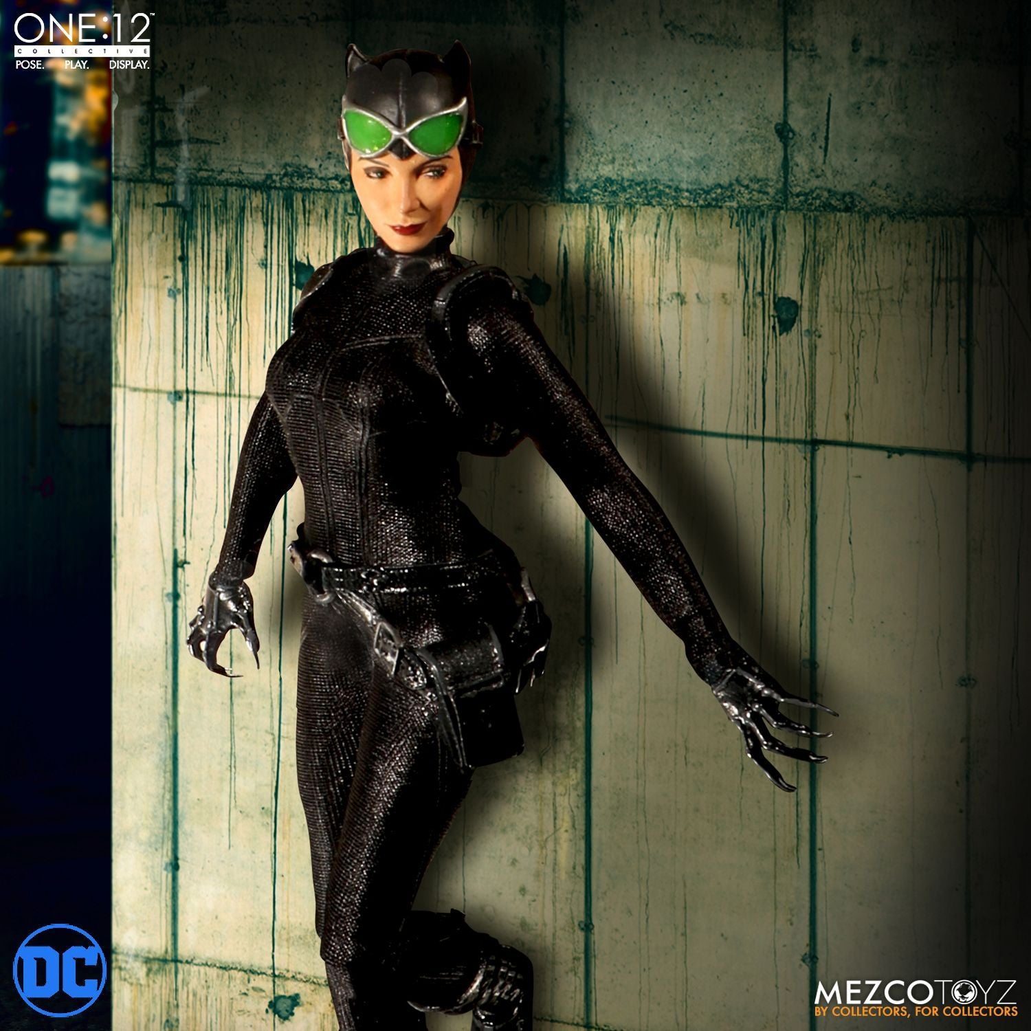 Mezco CATWOMAN One:12 Collective DC Universe Action Figure - Collectors Row Inc.