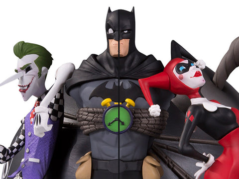 Batman DC Collectibles The Joker & Harley Quinn Bookend Set - Collectors Row Inc.