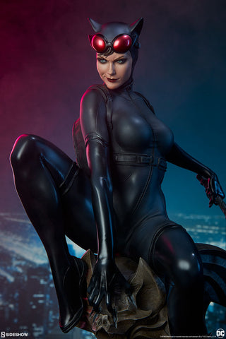 Catwoman DC Comics Premium Format Figure by Sideshow Collectibles