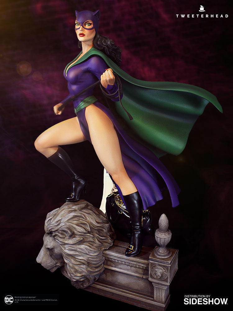 Catwoman Super Powers Maquette EXCLUSIVE Edition - Collectors Row Inc.