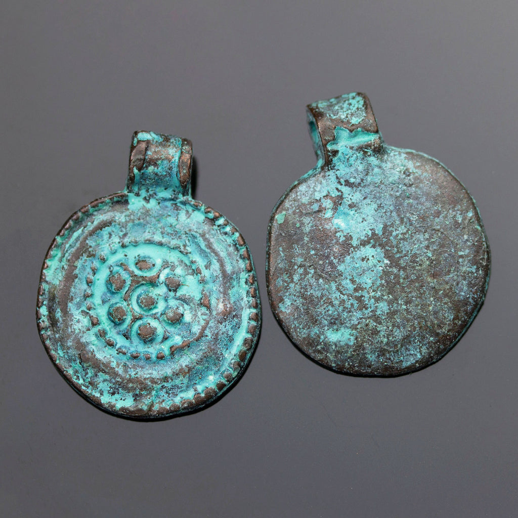 2 Cast Mykonos Green Patina Ancient Floral Medallion Kuchi, 19 x 24mm, Hole 2mm