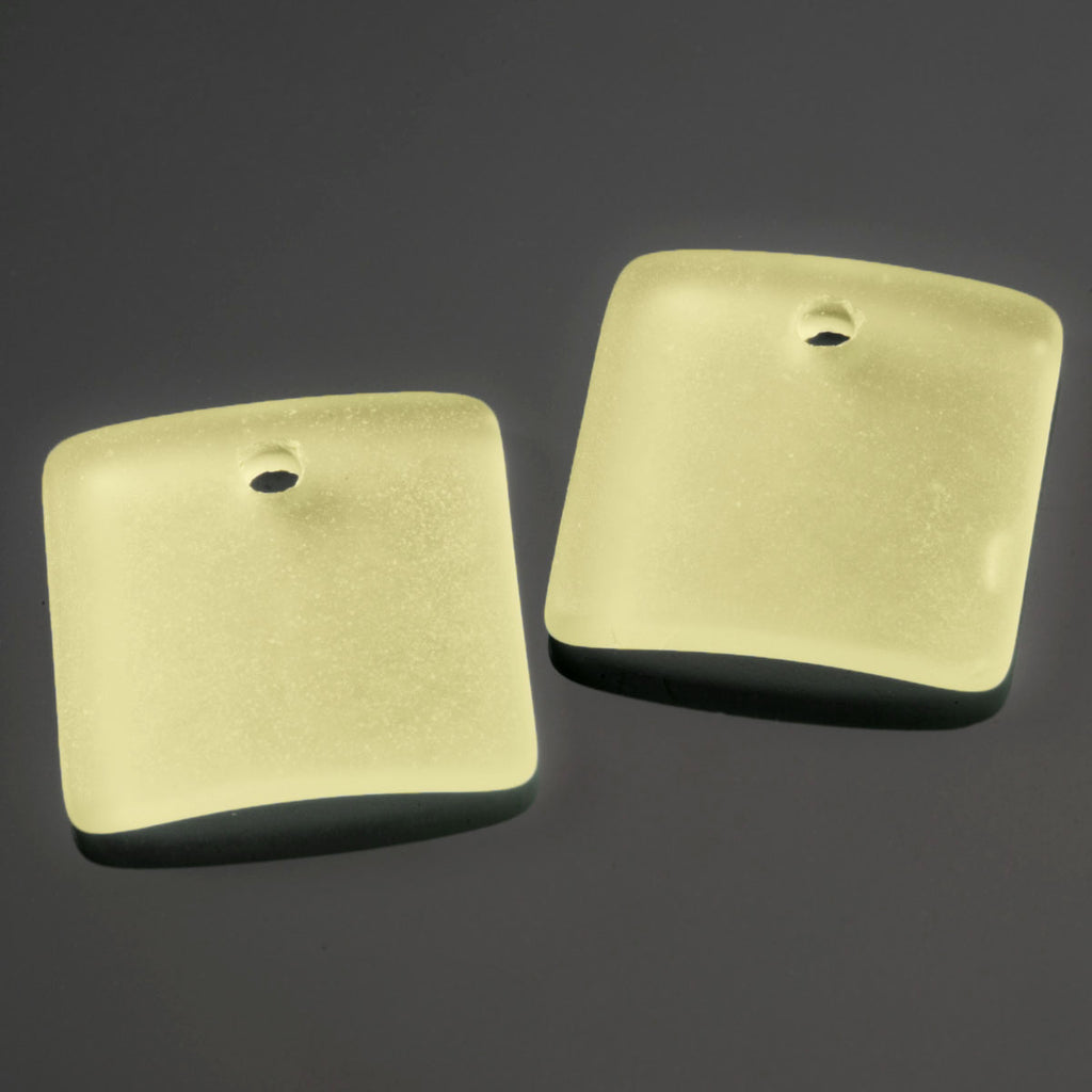 2 Cultured concave faux sea glass square pendants, 19 x 16mm, Lemon