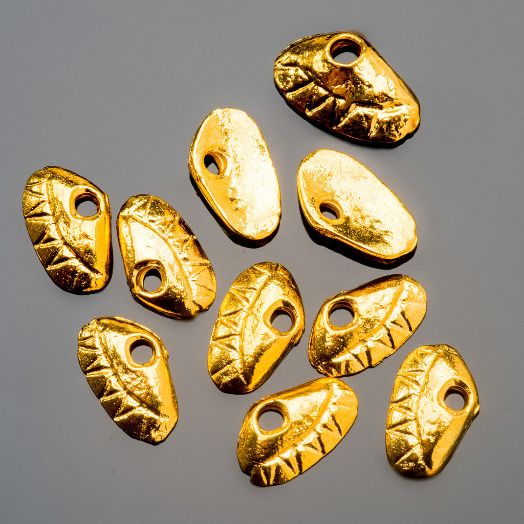 25 Cast Mykonos 24k Gold Finish Clam shell charm dangles, 7 x 11mm