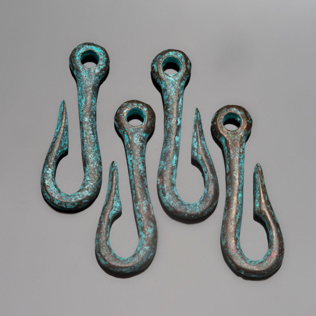 4 Green patina fish hook clasps connectors, 25 x 8mm, Hole 2mm