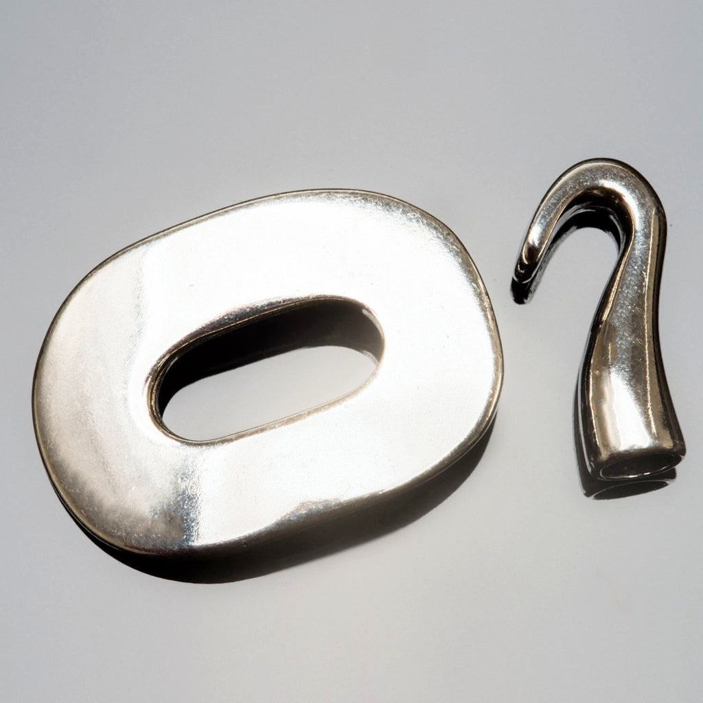 Large Silver Zamak oval toggle hook clasp, 51mm, For use with several cords