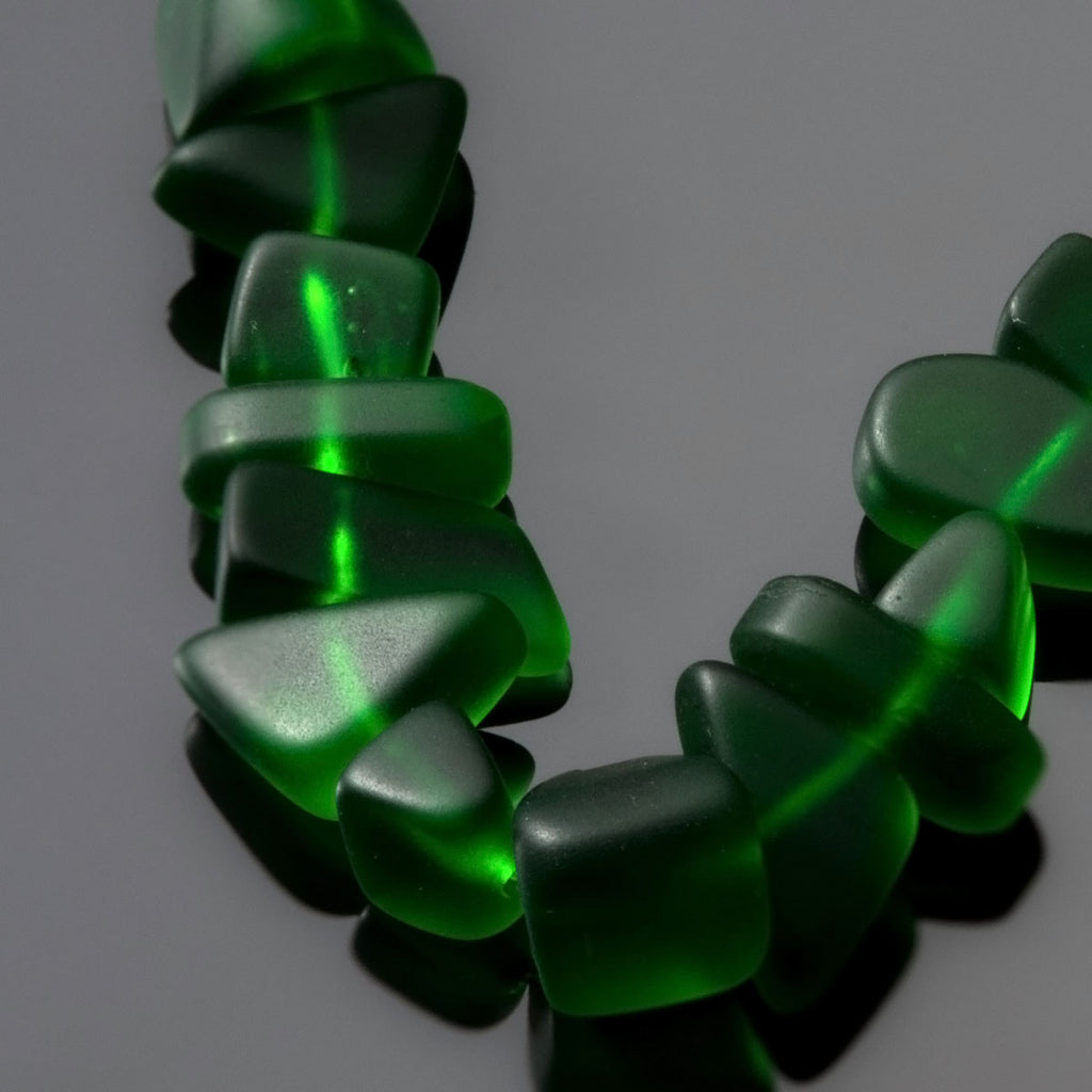 One 8 inch strand sea glass pebble beads, 9 x 10 x 4mm, Shamrock