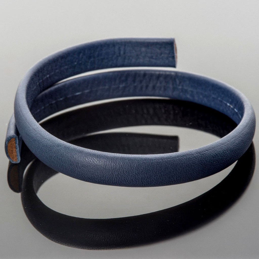 CLEARANCE 1 Foot premium soft half round licorice leather, 10 x 4.25mm, navy blue
