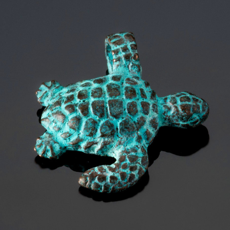 Cast Sea swim turtle charm, Green patina, 23 x 20mm