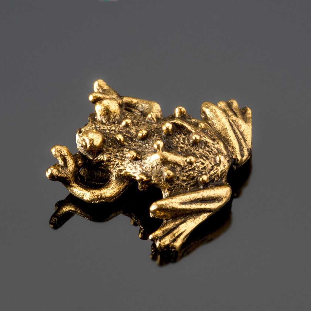 Antique gold pewter frog bead, 15 x 17mm