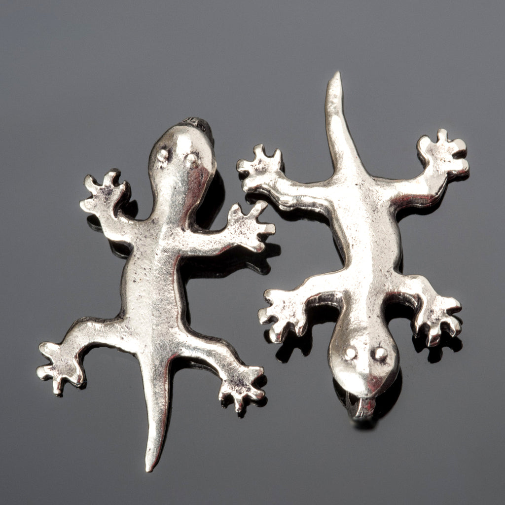 2 Cast antique silver Gecko lizard pendant charms, 34 x 22mm
